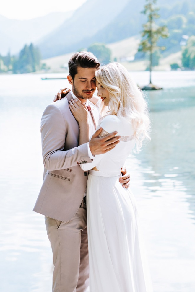 Lake Shooting Couple Fashion blogger influencer instagram148-2