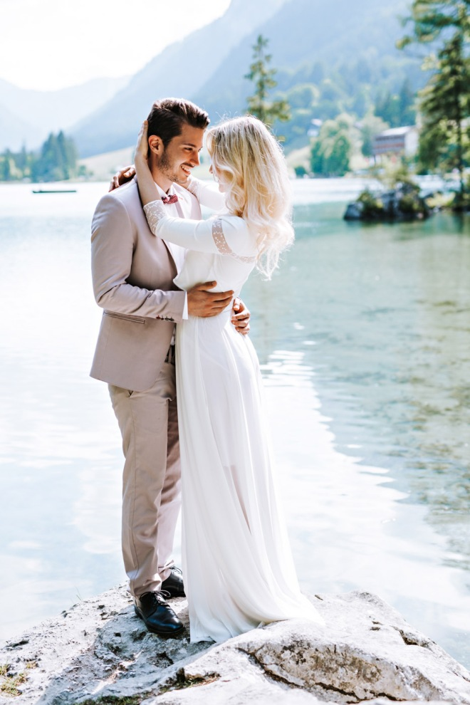 Lake Shooting Couple Fashion blogger influencer instagram149-2