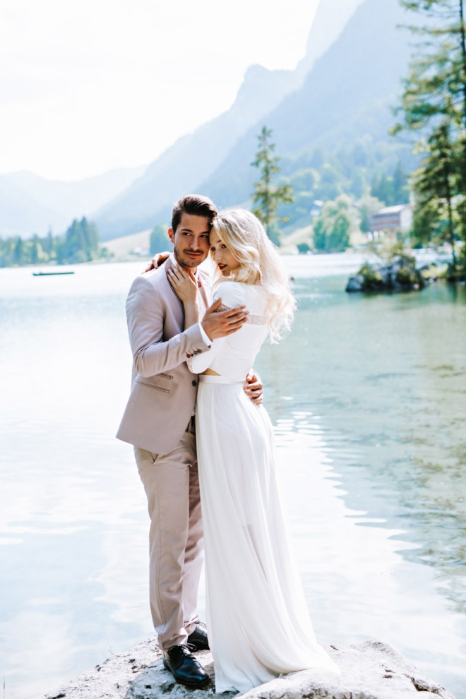 Lake Shooting Couple Fashion blogger influencer instagram150-2