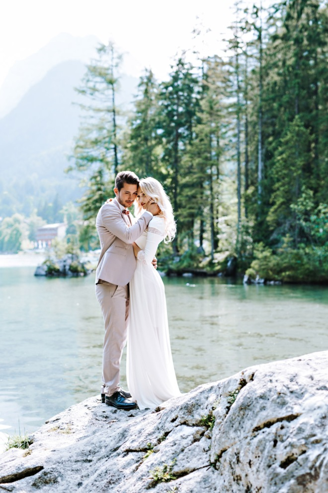 Lake Shooting Couple Fashion blogger influencer instagram153-2