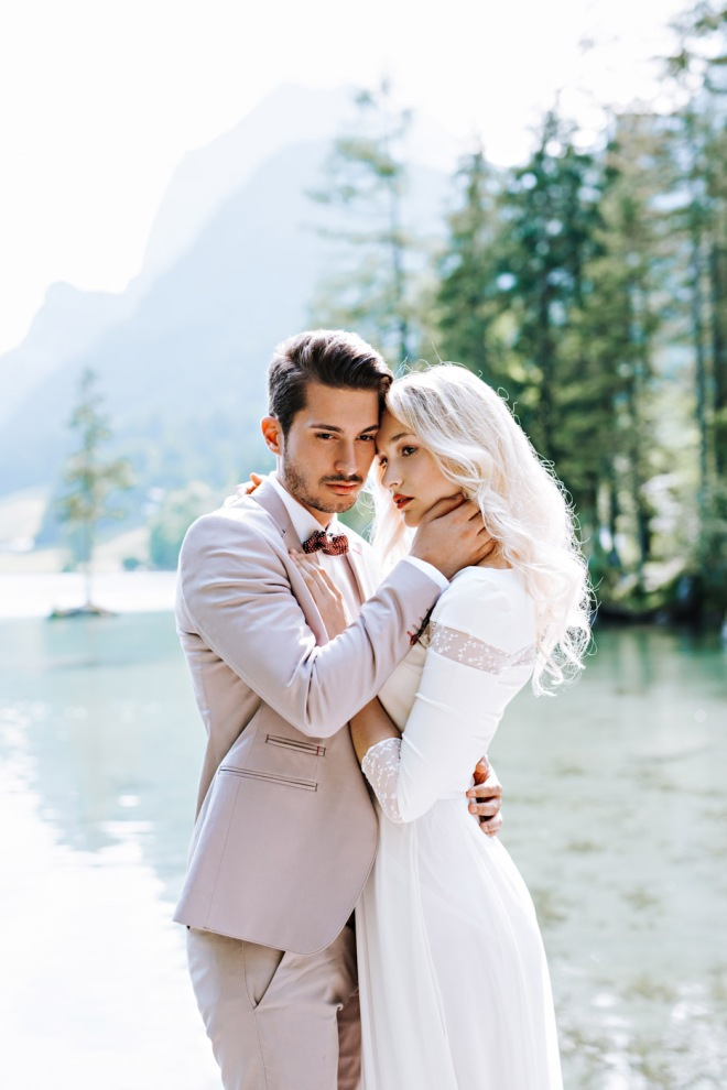 Lake Shooting Couple Fashion blogger influencer instagram156-2